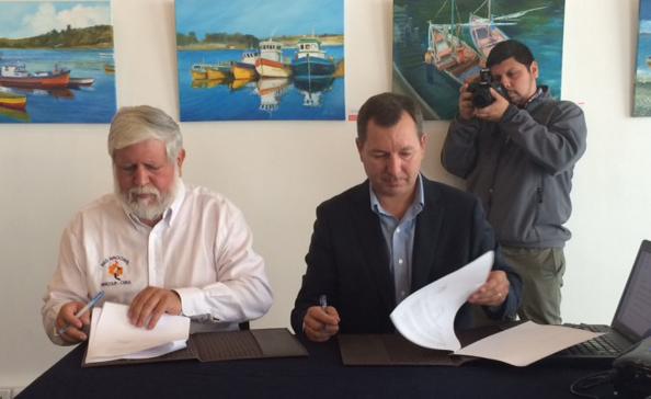 ANPROS y Federación Red Apícola Nacional firman convenio de cooperación.