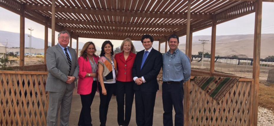 Embajadora de EE.UU. en Chile conoce realidad semillera de región de Arica-Parinacota