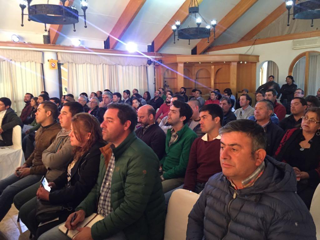 Gran asistencia y participación en Seminario Apícola organizado por ANPROS, RAN y FEDEFRUTA