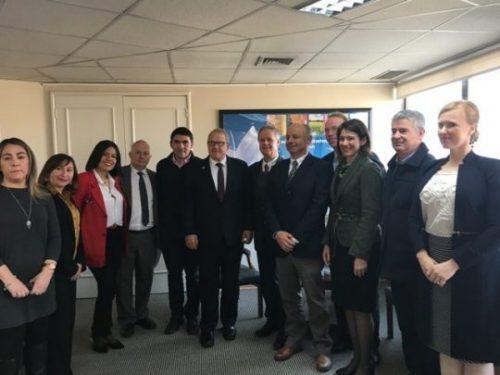 Autoridades del Ministerio de Agricultura de Canadá y su embajadora se reúnen con ANPROS  y los principales socios exportadores a ese país.