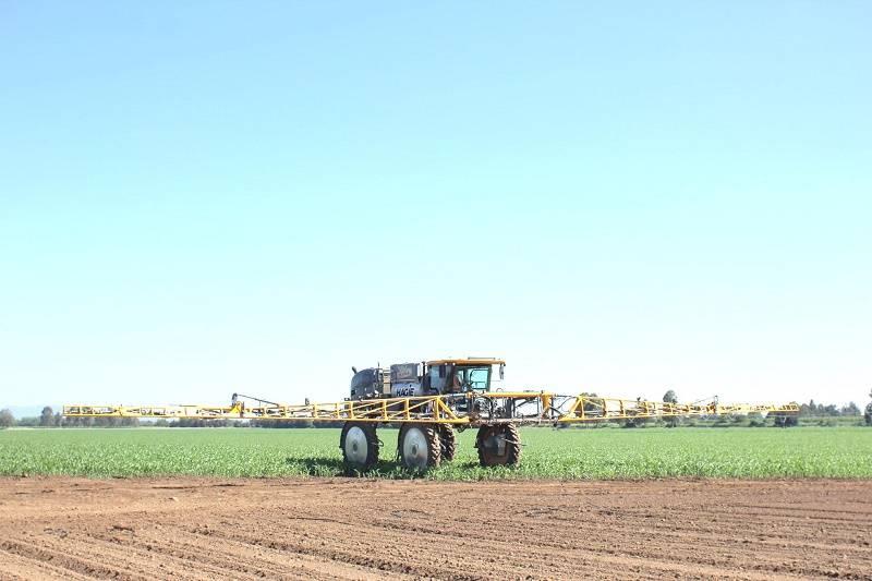 Presentan nuevas tecnologías digitales para agricultores en región del Maule