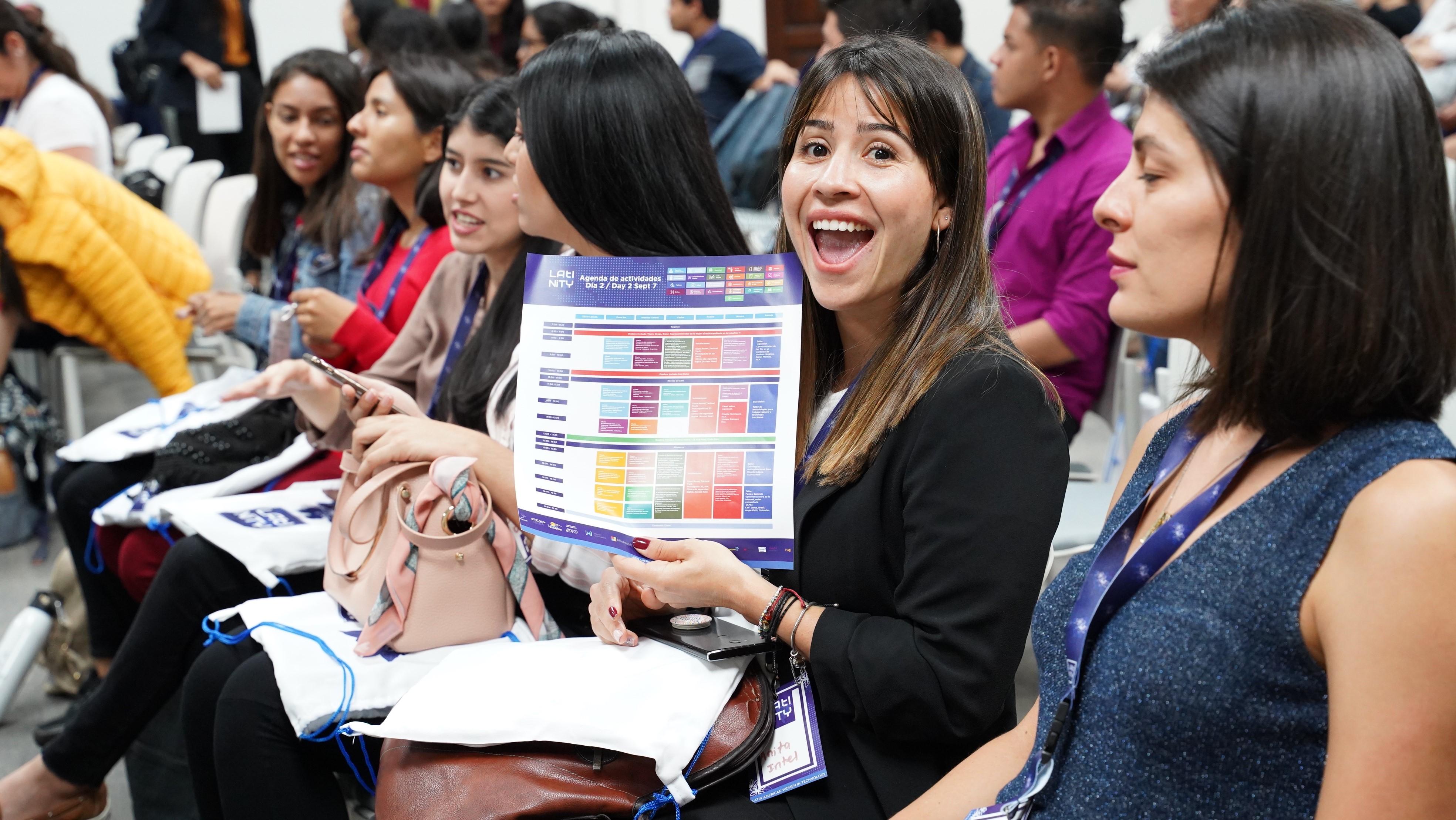 Mujeres latinoamericanas compartieron conocimientos para cerrar brecha digital
